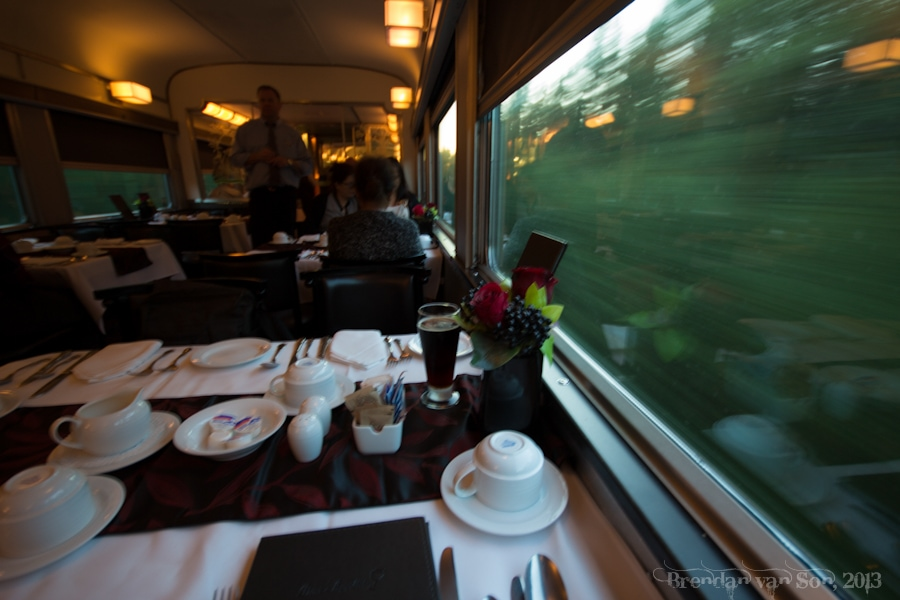 VIA, Train Across Canada, dinning car