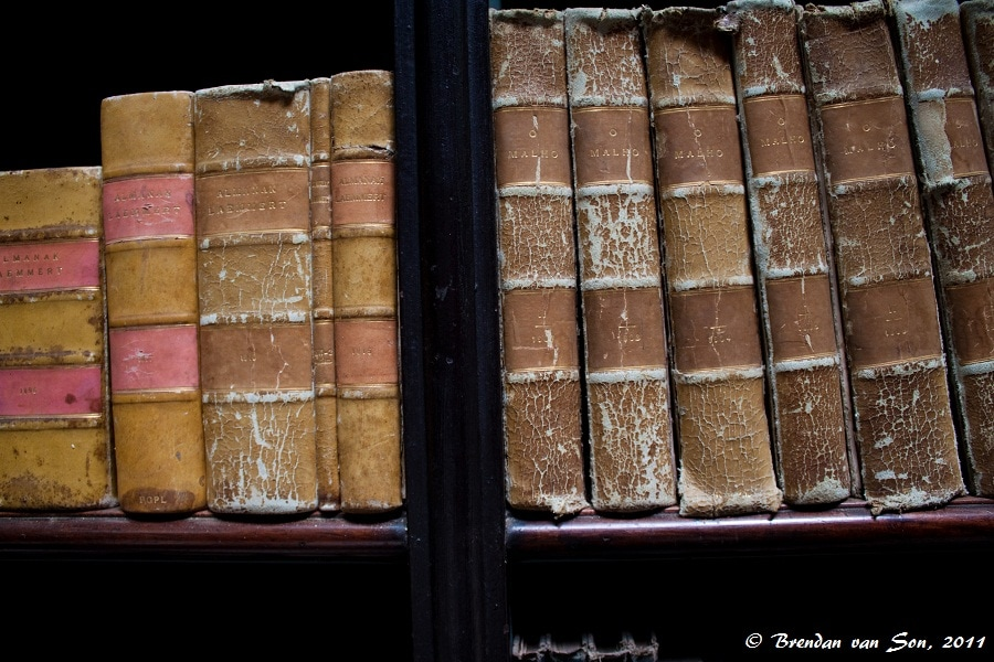 Old books in Real Gabinete Português de Leitura