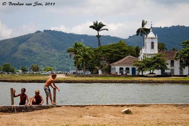 Kids playing in Paraty