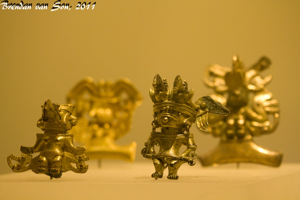 Tiny golden idols