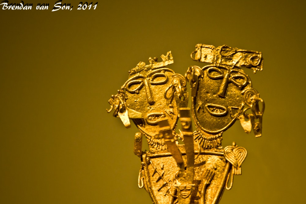 A two-headed gold figurine