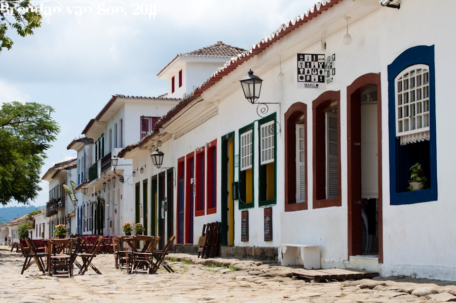 Paraty Lunch Scene