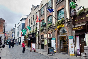 Reviews of the Kinlay and Avalon House Hostels in Dublin