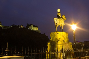 Edinburgh: Where McDonald's and Castles Live Together in Harmony