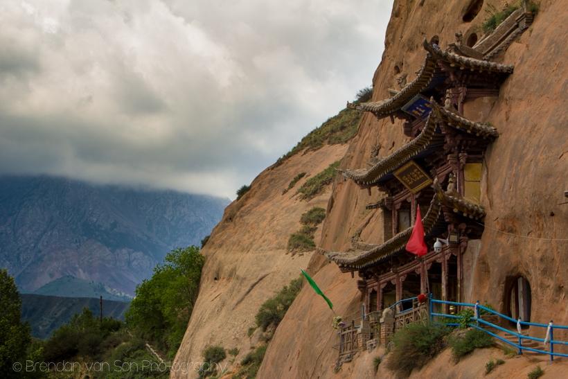 Mati Si cliff temple